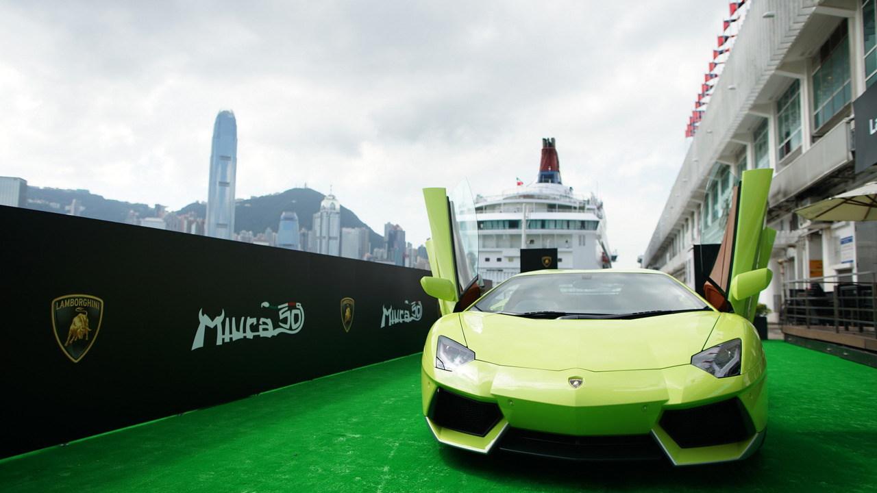 """Ngắm Lamborghini Aventador màu rắn xanh cực """"độc"""" - 1"""
