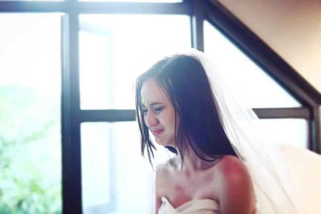 Ngay từ khi MV ra mắt, khán giả Việt đã dành nhiều lời khen ngợi cho nhan sắc và diễn xuất của nữ sinh này.