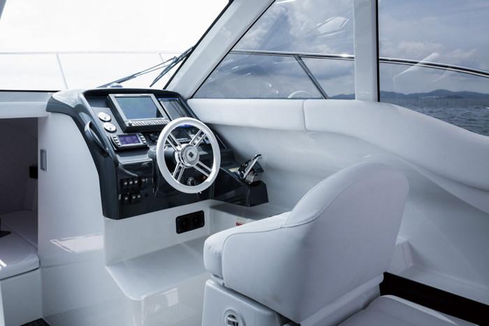 Du thuyền Ponam-28V Sport Cruiser sang trọng của Toyota - 5
