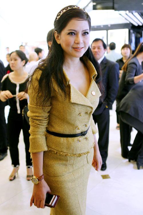 """5 mỹ nhân Việt U50 """"dìm hàng"""" gái trẻ không thương tiếc - 15"""