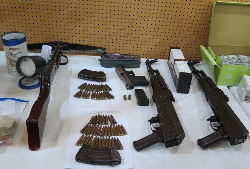 """Dàn vũ khí """"nóng"""" trong vụ bắn chết nhân viên nhà nghỉ ở Hà Nội - 1"""
