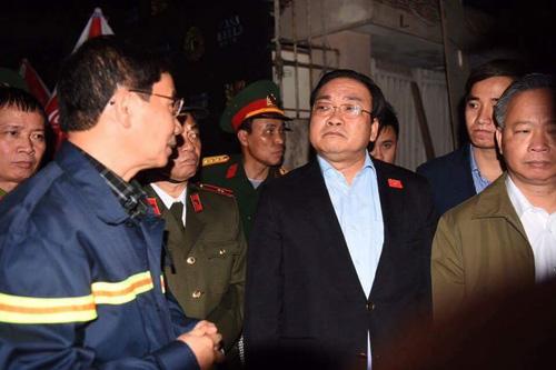 HN: Cháy dữ dội ở quán karaoke trên đường Trần Thái Tông - 23