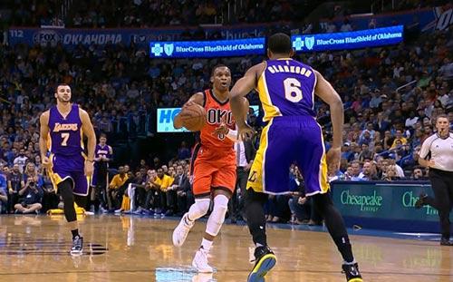"""NBA: Siêu sao gây choáng váng với cú """"triple-double"""" - 1"""