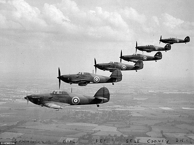 Trận không chiến long trời lở đất của 4.500 máy bay - 2