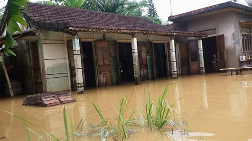 Quảng Trị: Lũ bất ngờ, hàng ngàn hộ dân bị chìm trong biển nước - 2