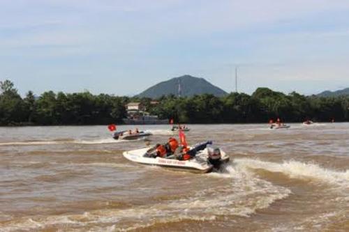 Quảng Trị: Lũ bất ngờ, hàng ngàn hộ dân bị chìm trong biển nước - 5