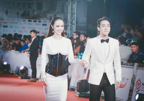 """""""Đứng hình"""" vì thấy Phương Trinh mặc bạo trong đêm Hà thành - 10"""