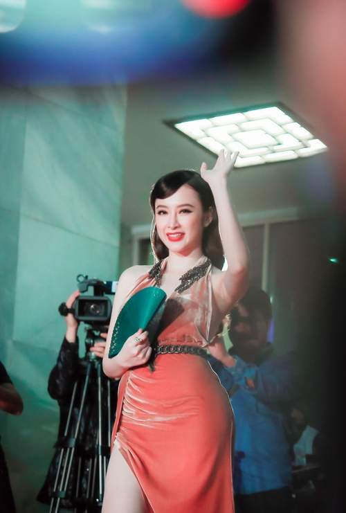 """""""Đứng hình"""" vì thấy Phương Trinh mặc bạo trong đêm Hà thành - 6"""