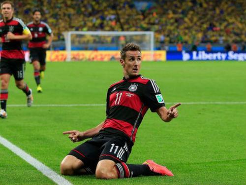 Kỷ lục gia World Cup Klose treo giày: Tạm biệt 1 huyền thoại - 1