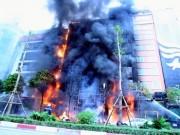 Tin tức trong ngày - Cháy quán karaoke: Biển lửa thiêu rụi hàng loạt ô tô, xe máy