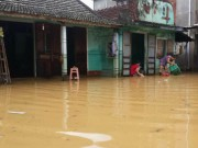 Tin tức trong ngày - Quảng Trị: Lũ bất ngờ, hàng ngàn hộ dân bị chìm trong biển nước