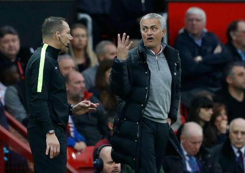 MU: Mourinho chấp nhận án cấm 1 trận, chờ đấu Arsenal - 2