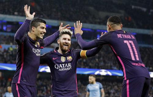 """Bị khiêu khích, Messi suýt """"tẩn"""" nhau với SAO Man City - 2"""