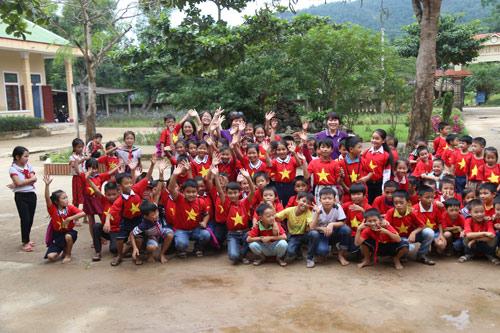 Học sinh Olympia đồng hành cùng các bạn vùng lũ miền Trung - 1