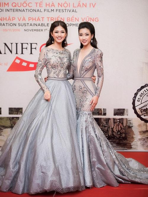 Hoa hậu Mỹ Linh khoe vòng một táo bạo trên thảm đỏ - 1