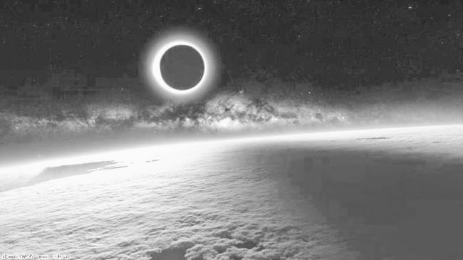 """Sự thật """"Trái đất chìm trong bóng tối"""" từ 15-29.11 - 2"""