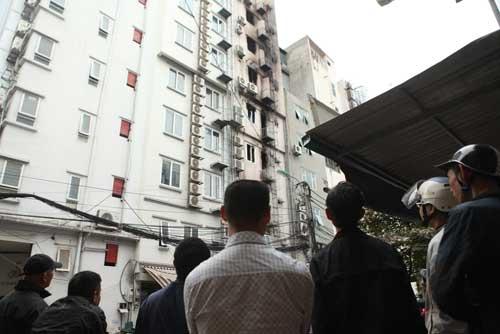 Người dân bàng hoàng, ám ảnh sau vụ cháy quán karaoke - 6