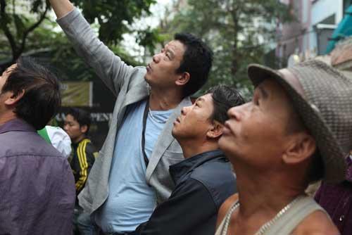 Người dân bàng hoàng, ám ảnh sau vụ cháy quán karaoke - 7