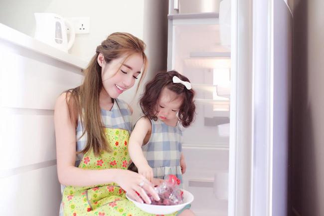 Nhất là từ khi trở thành mẹ của 2 thiên thần nhỏ, thời gian Elly Trần chăm lo cho gia đình cũng nhiều hơn.
