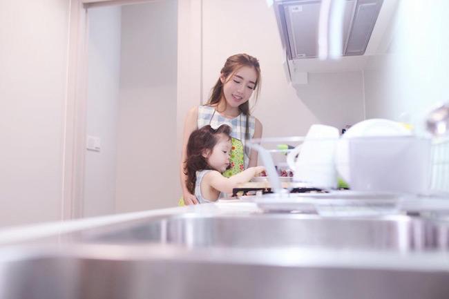 Vì là nấu ăn cho những người thân yêu nên Elly Trần luôn chăm chút từng li từng tý.