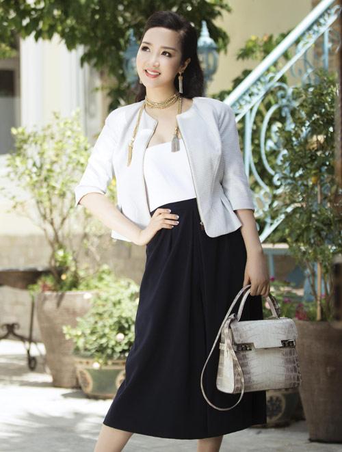 """Soi khối hàng hiệu """"kếch xù"""" của Hoa hậu Giáng My - 8"""