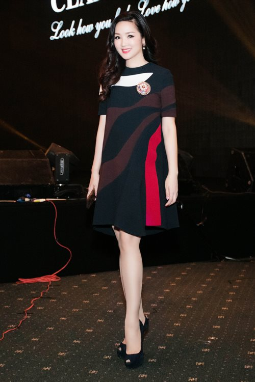 """Soi khối hàng hiệu """"kếch xù"""" của Hoa hậu Giáng My - 9"""