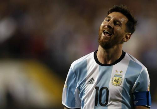 Bất ngờ: Argentina - Messi có thể lỡ World Cup 2018 vì FIFA - 4
