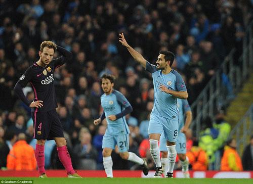 Man City - Guardiola hạ Barca: Thắng to nhưng chưa hoàn hảo - 2