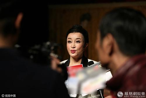 """Ngỡ ngàng với """"Võ Tắc Thiên"""" Lưu Hiểu Khánh khi tái xuất sân khấu kịch - 4"""