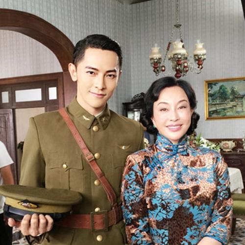 """Ngỡ ngàng với """"Võ Tắc Thiên"""" Lưu Hiểu Khánh khi tái xuất sân khấu kịch - 7"""