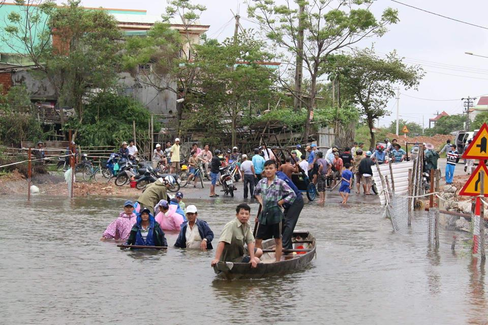 Sau Huế, thủy điện Quảng Nam đồng loạt xả lũ - 3