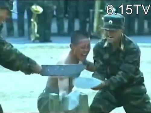 Kung-fu lính Triều Tiên: Dao, sắt, đá…chỉ là xốp - 1
