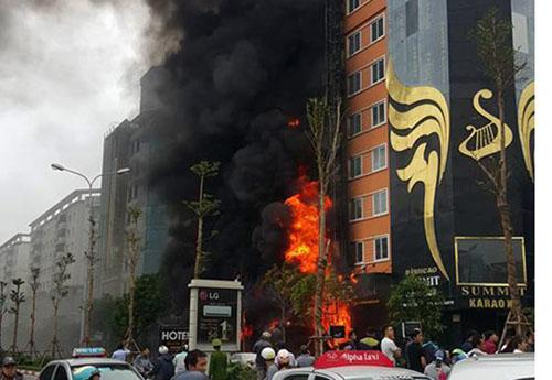 Cháy quán karaoke 13 người chết: Ai chịu trách nhiệm? - 1