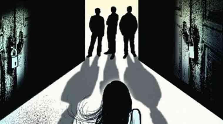 Ấn Độ: Đang ngủ với chồng, bị 4 người gọi cửa cưỡng hiếp - 1