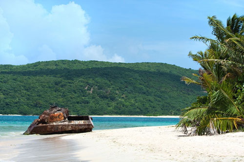 7 bãi biển hoang sơ nổi tiếng nhất thế giới - 3