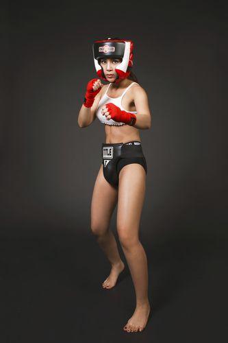 """Soi độ sexy lăn xả của """"nữ hoàng boxing"""" Hoàng Yến My - 6"""