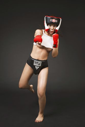 """Soi độ sexy lăn xả của """"nữ hoàng boxing"""" Hoàng Yến My - 7"""