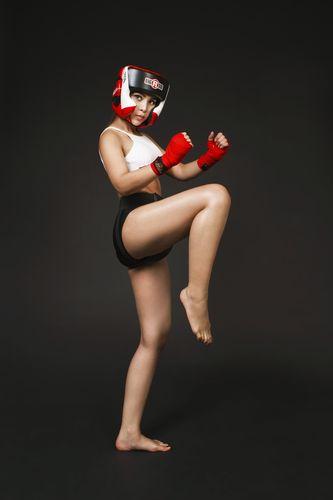 """Soi độ sexy lăn xả của """"nữ hoàng boxing"""" Hoàng Yến My - 8"""