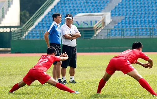 Công Vinh bất ngờ chia tay Bình Dương, dồn sức mơ vô địch AFF Cup - 1