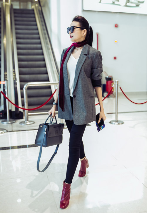 Thanh Hằng sành điệu diện trang sức gần nửa tỉ tại sân bay - 6
