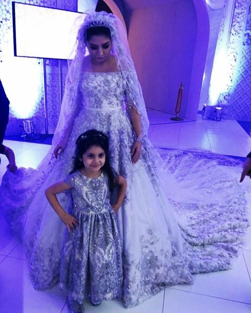 Ái nữ tỉ phú diện váy cưới nạm ngọc giá 14 tỉ đồng - 5