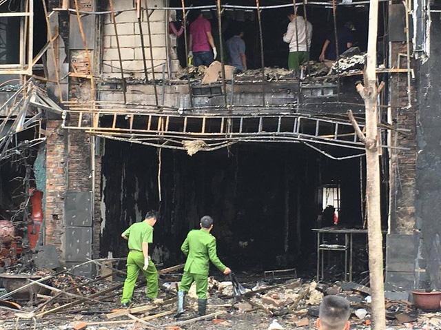 Triệu tập 3 thợ hàn sau vụ cháy quán karaoke, 13 người thiệt mạng - 1