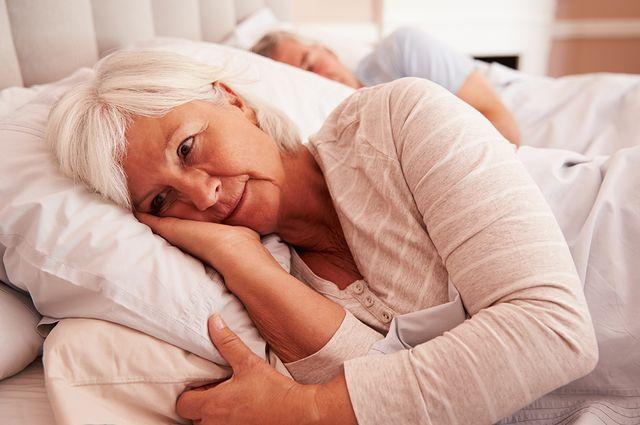 Vì sao phụ nữ sau 35 hay bị giảm thời gian ngủ, mất ngủ? - 2