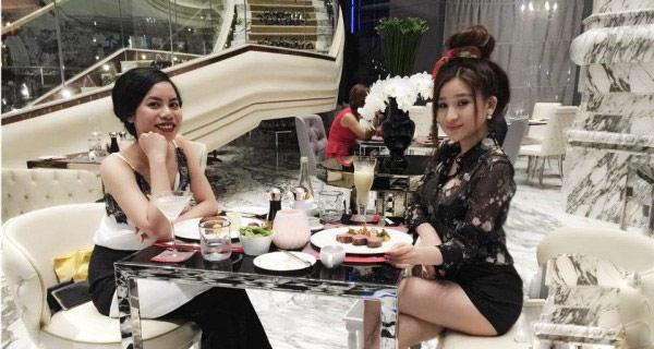 Cuộc sống sang chảnh của vợ cũ Hồ Quang Hiếu - 11