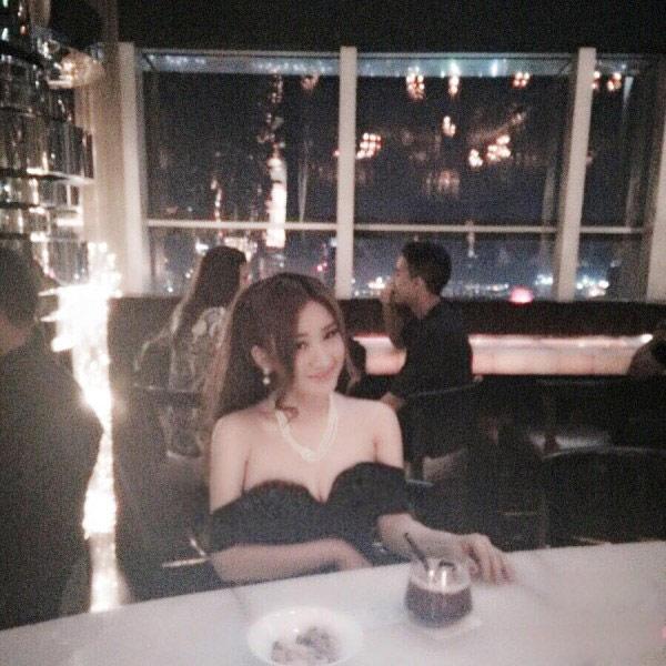 Cuộc sống sang chảnh của vợ cũ Hồ Quang Hiếu - 5