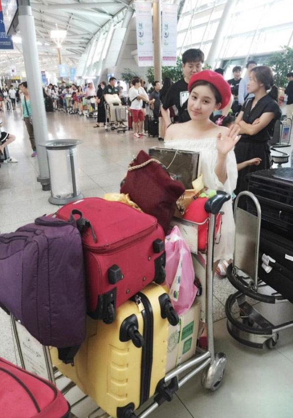 Cuộc sống sang chảnh của vợ cũ Hồ Quang Hiếu - 6