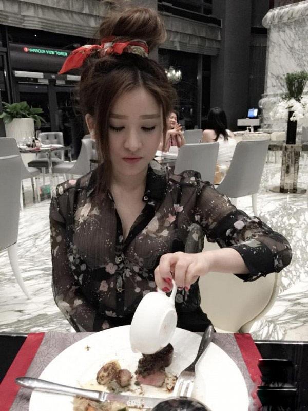 Cuộc sống sang chảnh của vợ cũ Hồ Quang Hiếu - 12