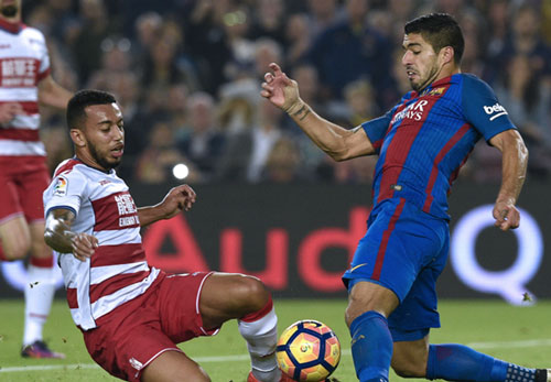 MU hỏi mua Suarez giá kỷ lục, Barca chính thức lên tiếng - 1