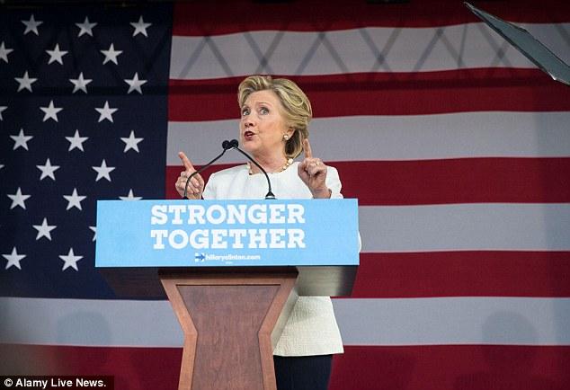 """Sao Người nhện """"khỏa thân"""" để ủng hộ Hillary Clinton - 4"""