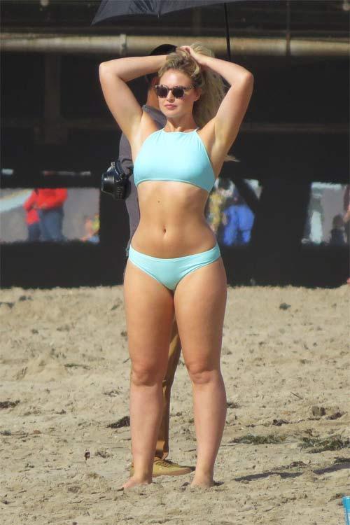 Mẫu béo đẳng cấp gợi tình với bikini khoét hông cao ngút - 7